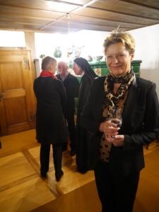 Jacqueline Schindler se réjouit du succes de Ruth Wiederkehr et de cette tres belle initiative de presentation dela these et du manuscrit